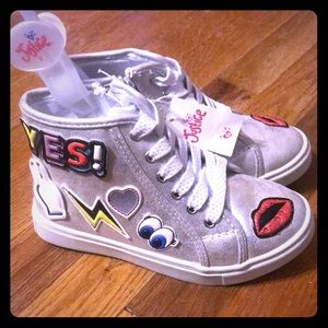 Justice Patch Silver Sneakers